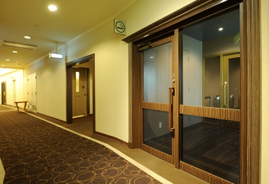 Loisir-smoking-room-01
